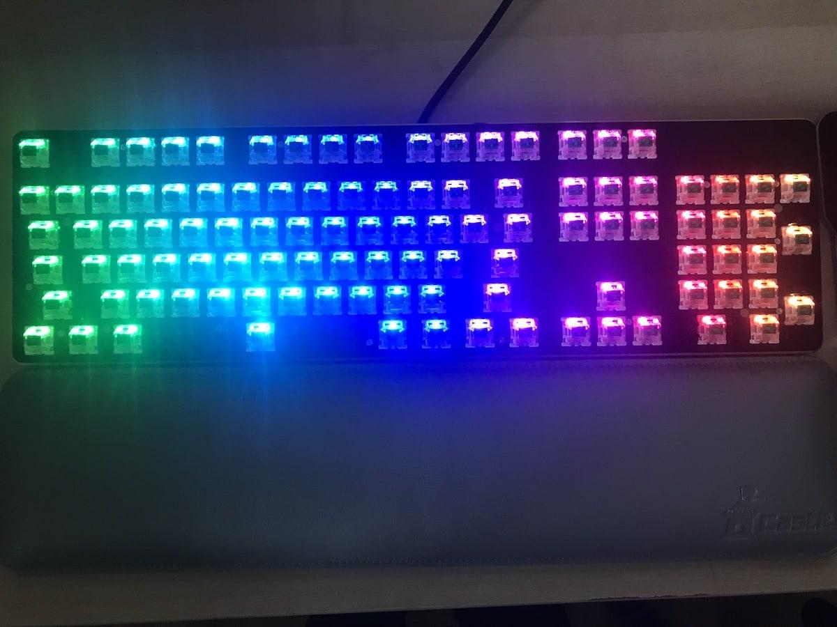 Glorious PC Gaming Race Modular Gaming Mechanical Keyboard Model GMMK-RGB Review 8