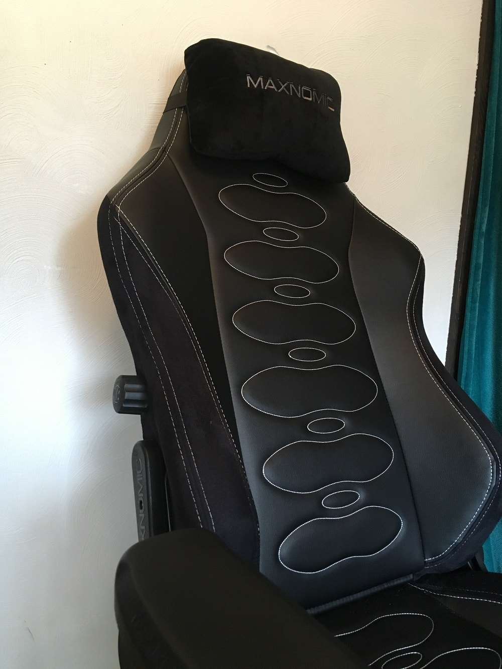 Maxonomic Ergoceptor Pro Gaming Chair Review 5
