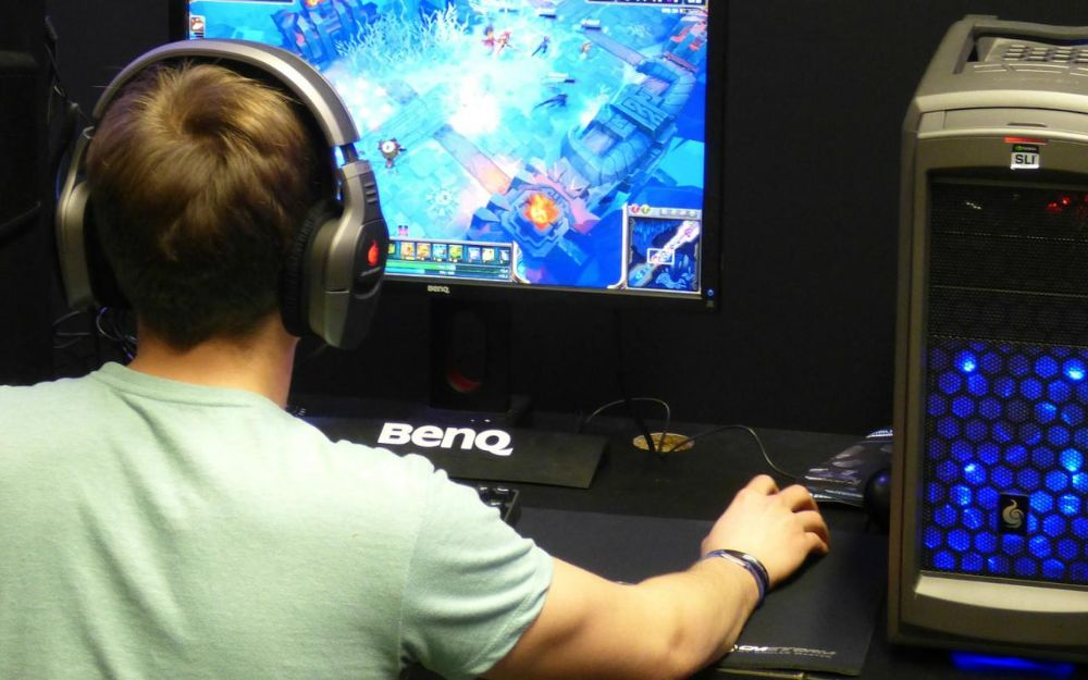 Playing on the best FreeSync monitor