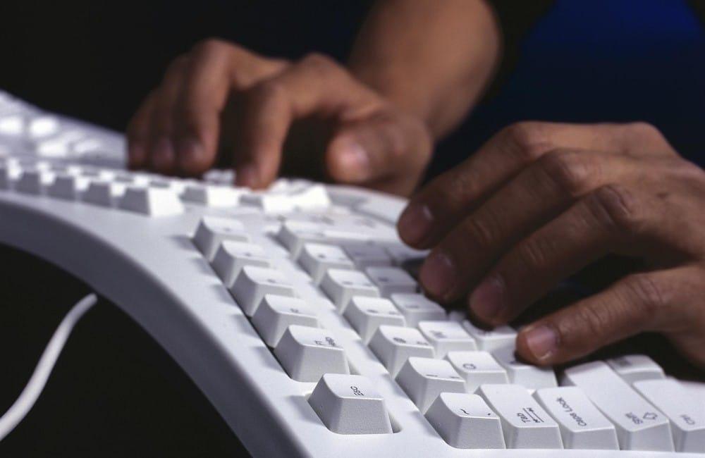5 Best Ergonomic Mechanical Keyboards in 2021