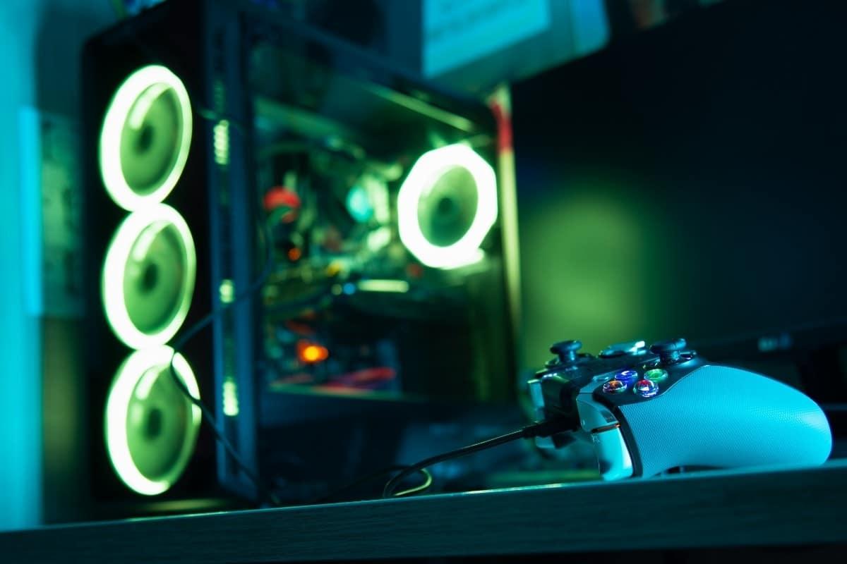 Best Gaming PC Under $600 w/ Controller